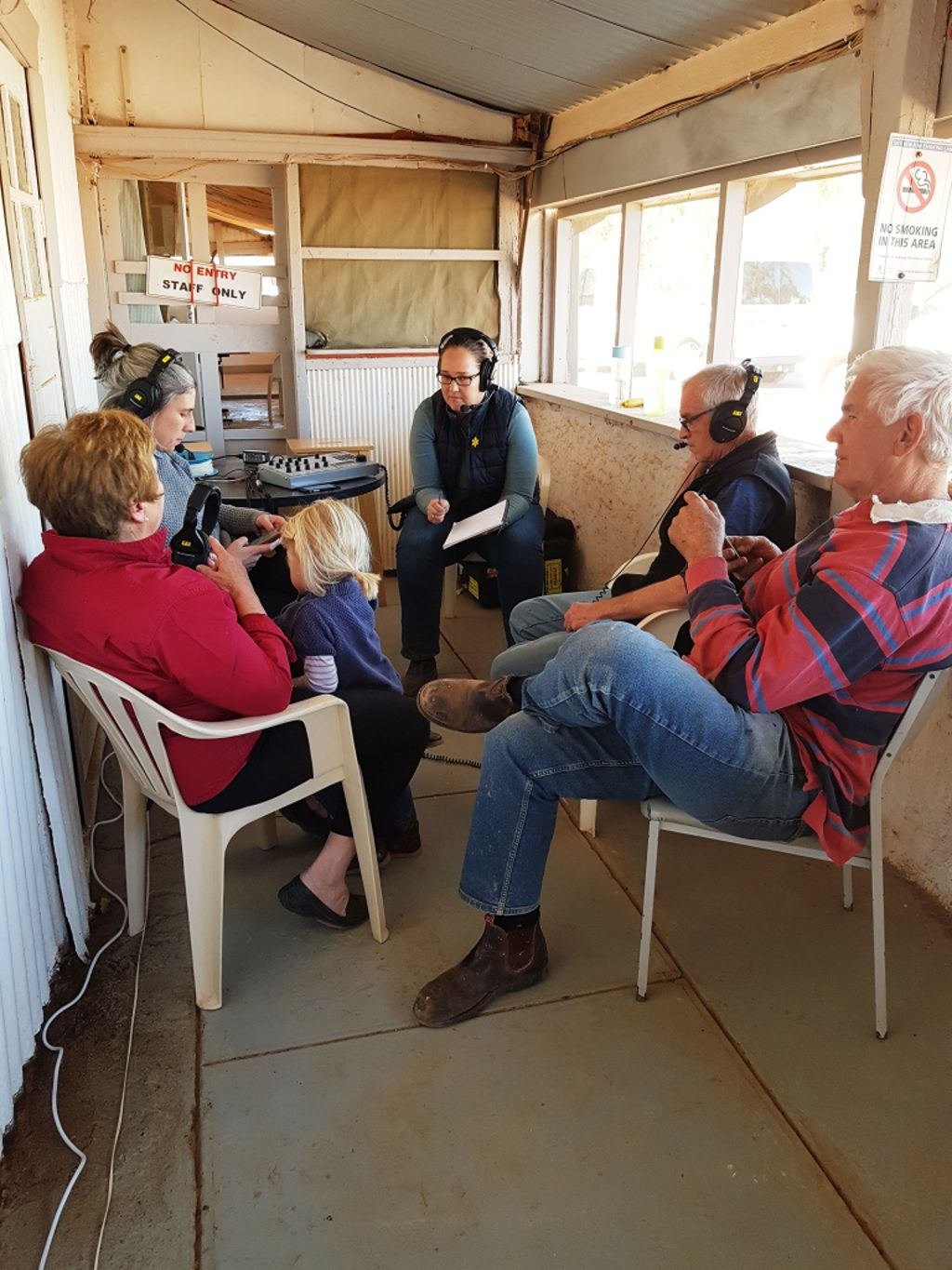 The Country Hour from tHe William Creek Hotel